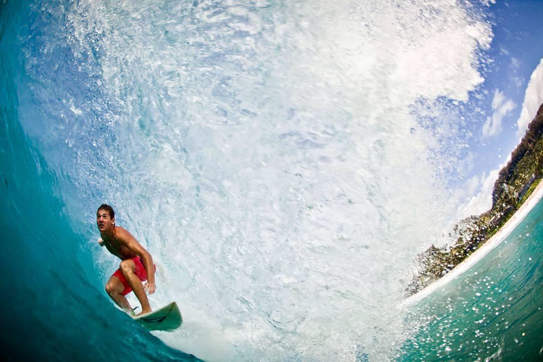 @felipe.suarez1 #offthewall y un #TBT capturado por nuestro talentoso amigo @juanbacagianis en #Hawaii #welcometowater #ttt