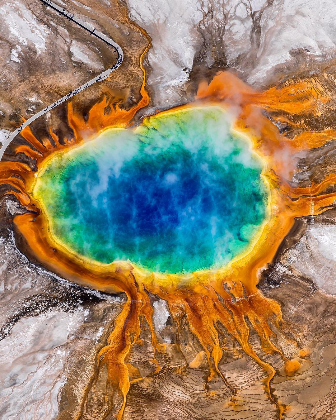 Bird's eye view of Grand Prismatic in @YellowsoneNPS. A dreamy natural wonder and surreal in person. -@tiffpenguin #GrandPrismatic #YellowstoneNPS #RadParks