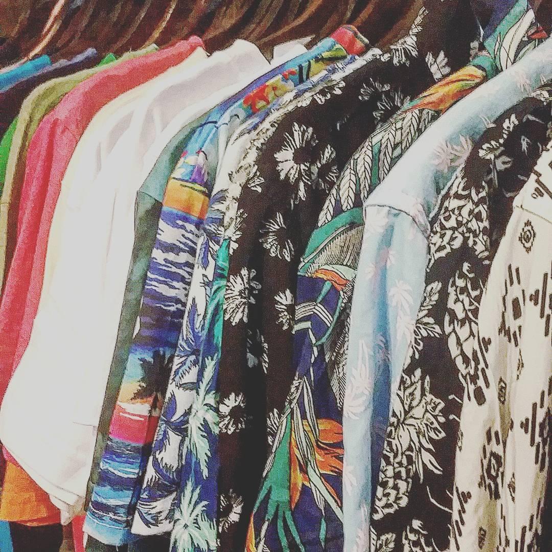 Coloreees #camisashawaianas #roparevolver