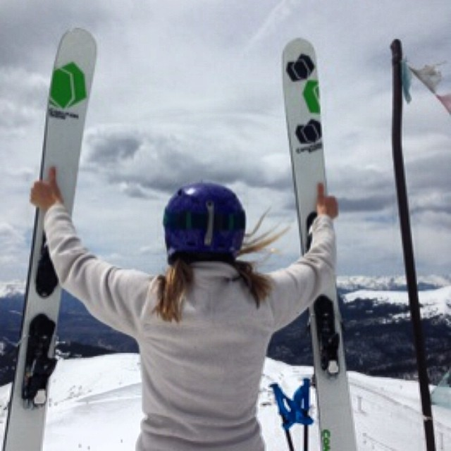 Raising up the sticks to the #spring #skiing gods at @Arapahoe_Basin. @tahomajillian #sisterhoodofshred #ABasin