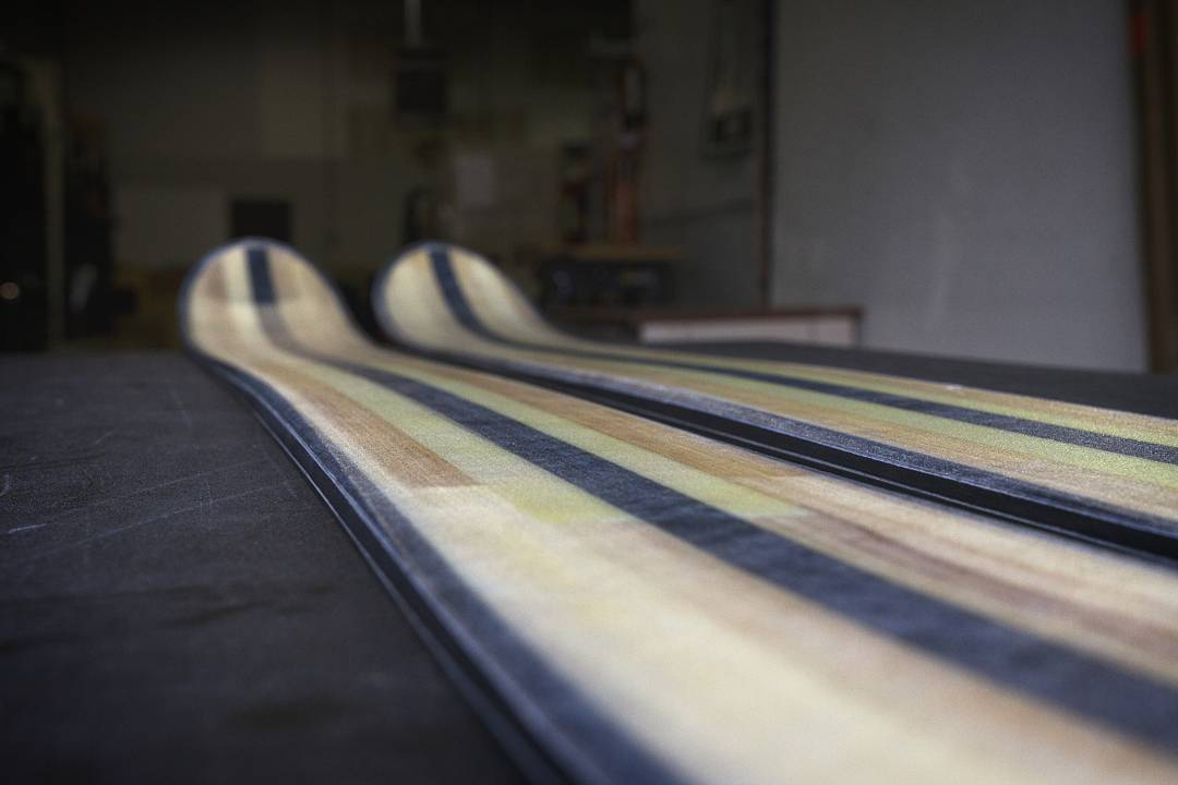Before the topsheet comes on, this is a Foundation construction ski, our newest entry into the DPS design and engineering spectrum. Foundation is the perfect fusion of carbon/bamboo/glass and cutting-edge chassis design, available in an array of...