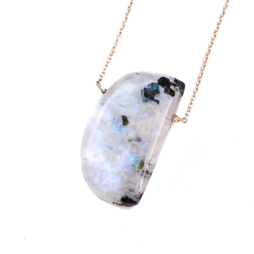 Chunky Moonstones for your inner traveler. Natural Rainbow Moonstone acts as a guiding light as you make your way across the tides. It's affiliation with the moon resonates  through it's beautiful white color and bright flashes of light. Inspiration...