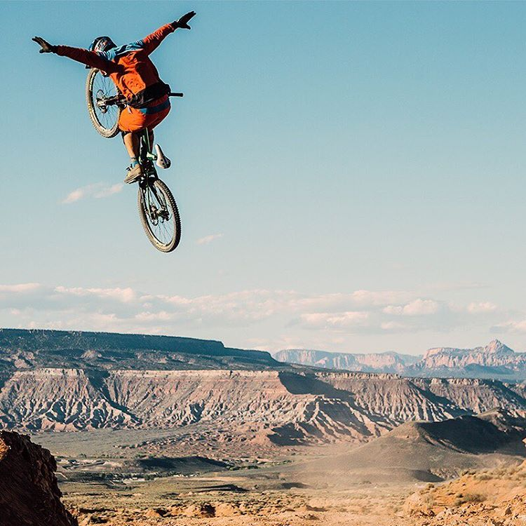 Throw your hands up if you're watchin' Red Bull Rampage on @RedBullTV