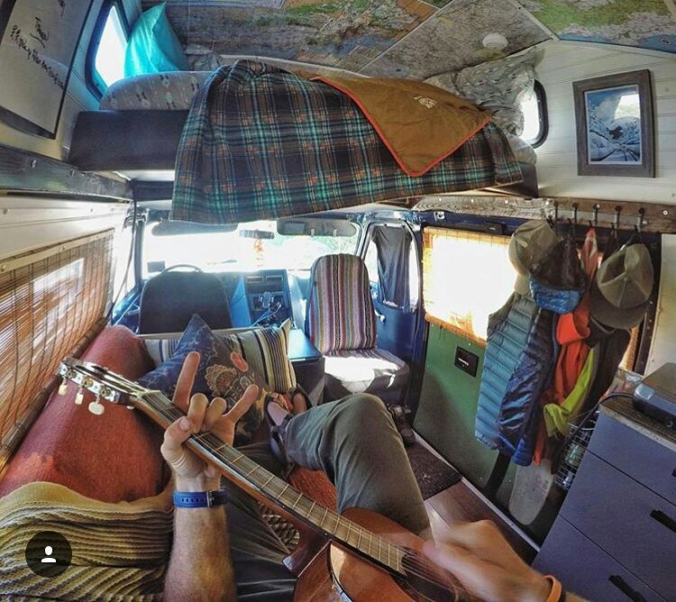 Living that #vanlife with @handsomerobinson