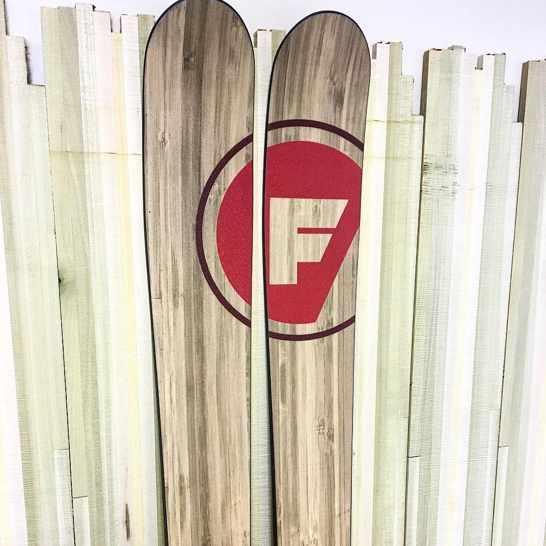 #woodonwood for your #fridaynight viewing pleasure. #madeintheusa #customskis