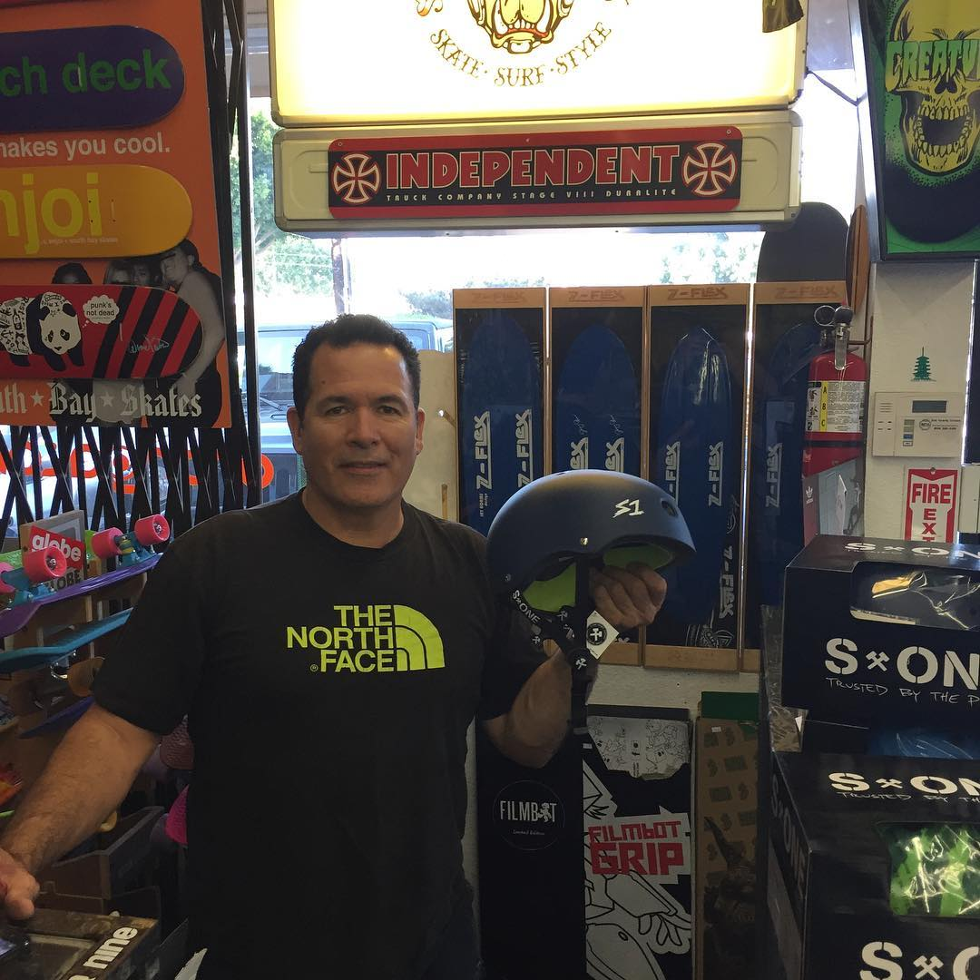 @howardhoodkanoa holdin it down for South Bay Skates in Torrance ! South Bay Skates (across from alondra skatepark) is fully stocked with S1 Mini Lifers, S1 Lifers and S1 Mega Lifers . #supportyourlocalskateshop #skateshop #s1helmets #torranceskateshop...