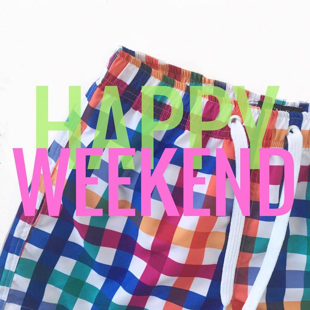 HAPPY WEEKEND! Ya podés encontrar todos los trajes de baño en nuestro SHOP ONLINE! www.vitacaps.com.ar