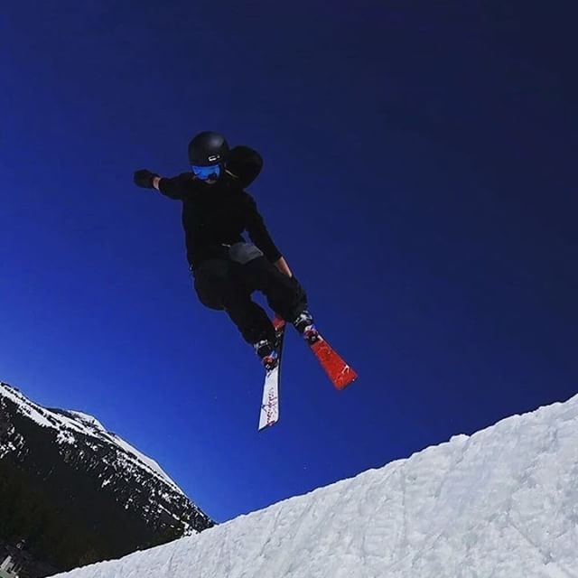 @britthawes_ taking flight on her Roz G model skis! Find out more about our half pipe ski on our website--> www.coalitionsnow.com