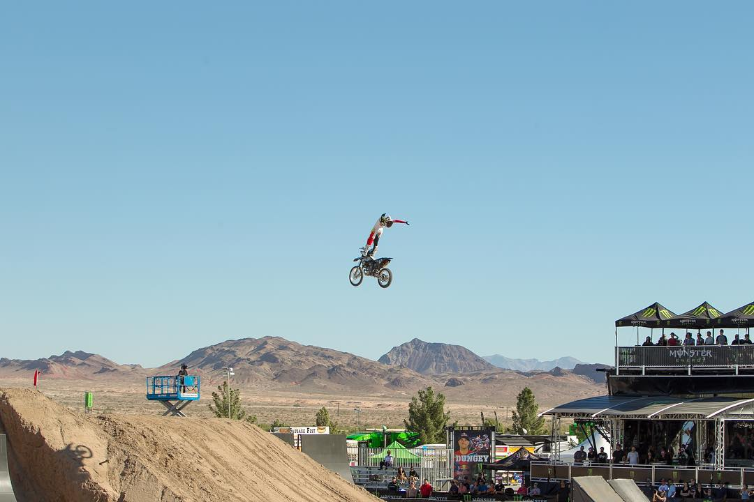 @TomRob_FMX reaching for the #Vegas skies