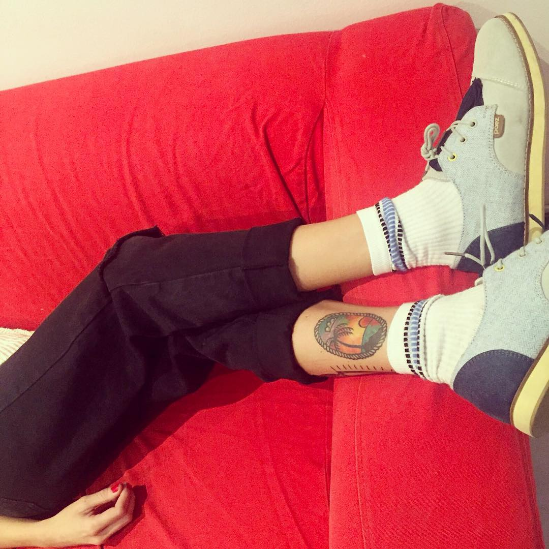 Lunes: café, ánimo y arriba! @irismairal_tattooer feat. las Brogue Allen Low Ivory