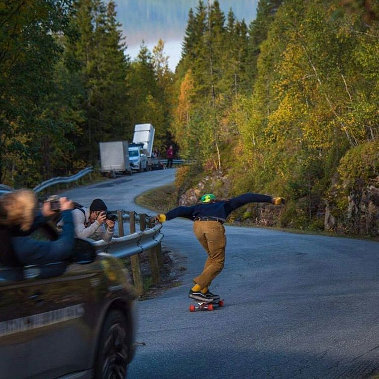 When you crushing a hill and the squad can't help but freak out and try and get it on their snapchat stories.  #LoadedAmbassador @mauritz_arm charging the hills of Northern Europe on his Loaded Truncated Tesseract.  #LoadedBoards #Orangatang #Tesseract...