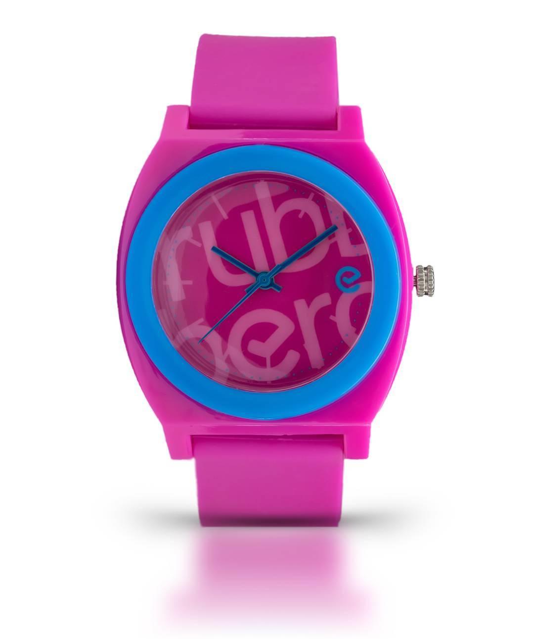 Hoy arrancás la semana con toda la onda de tu #Wave Fucsia. ⌚ Conseguilo en nuestro Shop Online. #ItsRubberTime #Watches #Trendy