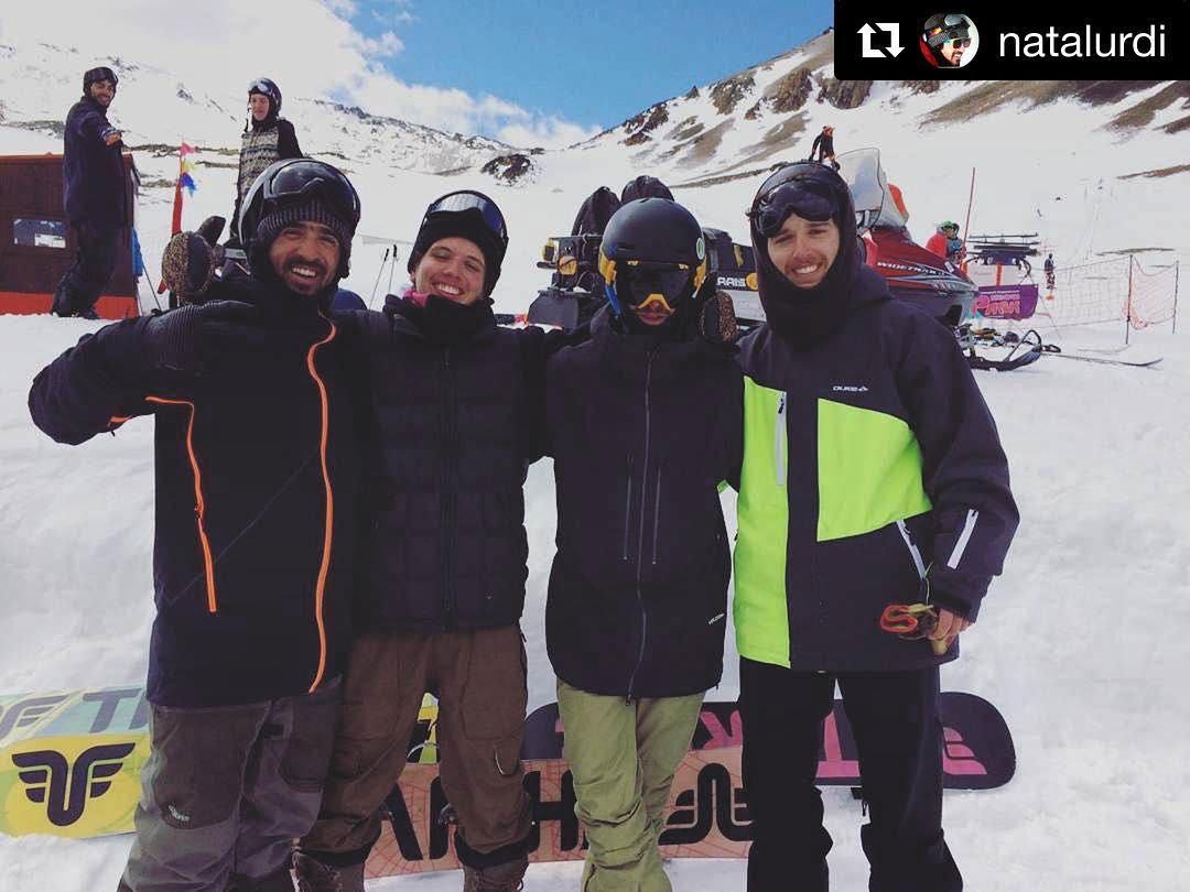 These guys make help make snowboarding awesome! #thrivesnowboards #laresistencia #matokes #snowboarding #patagonia #argentina @juanpib