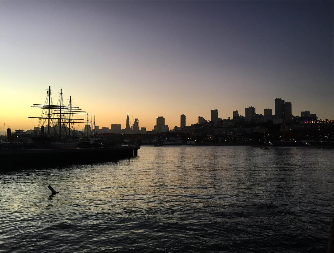 Purple Mornings in San Francisco #morningmotivation #morningrun #sunrise #sanfrancisco