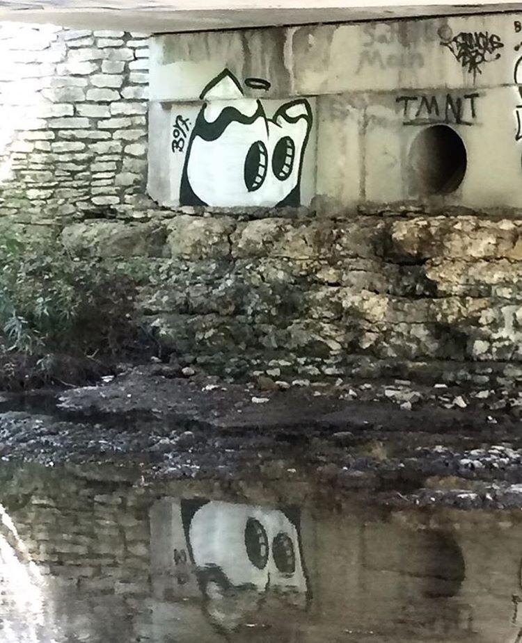 @bortart • • #atx #austintx #texas #tx #streetart #graffiti #grafite #spratx #bort