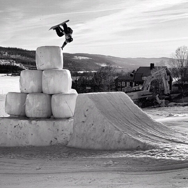Issue 23 throwback of Markku Koski shot by @danielblom #steezmagazine #issue23 #snowboarding #sweden #markkukoski