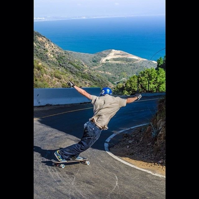 Bruce Max has made it to the West Coast on his magical personal growth tour known as #brucinusa! @_jensen_7 killing it on this fisherman's road and @jahdabo catching the shot! #calibertrucks #wallridesacrossamerica