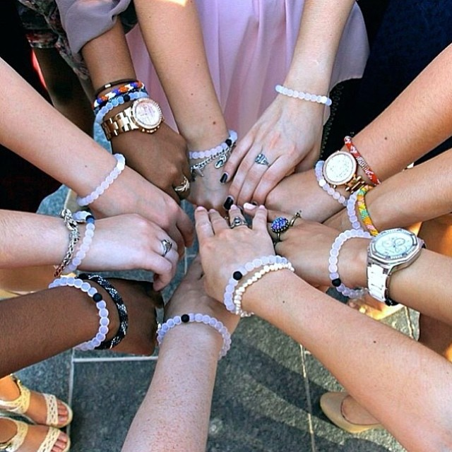 Who do you share your lokai story with?  Tag your best friends below that keep you balanced! #bestfriends #livelokai  Thanks @rubijaraa and all your awesome friends!