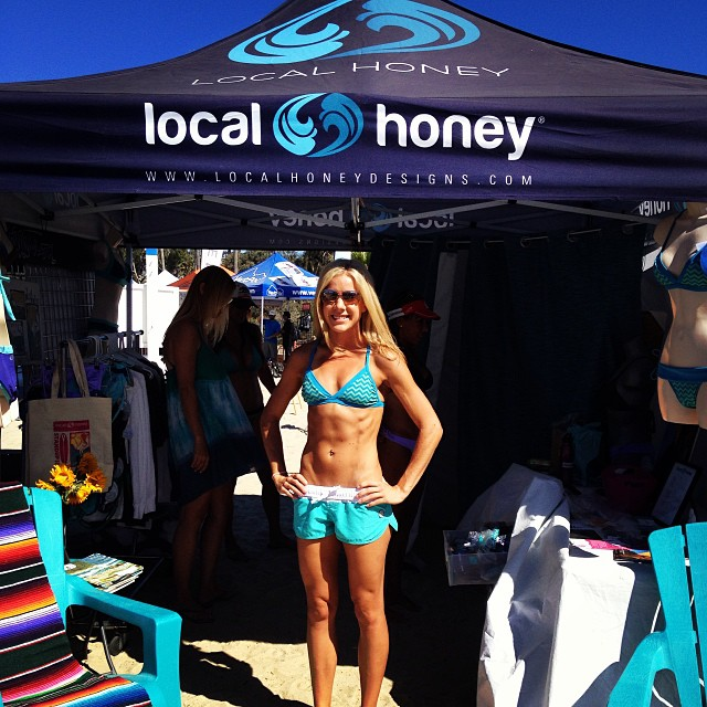 Another happy customer!! Throwback to two weekends ago at #battleofthepaddle. We will be at #redondobeach this weekend for #beyondtheshore. Come stop by and say Hi!! #localhoneydesigns #brazil #danapoint #bop #socal #beach #sup #supcrossfit #supyoga...