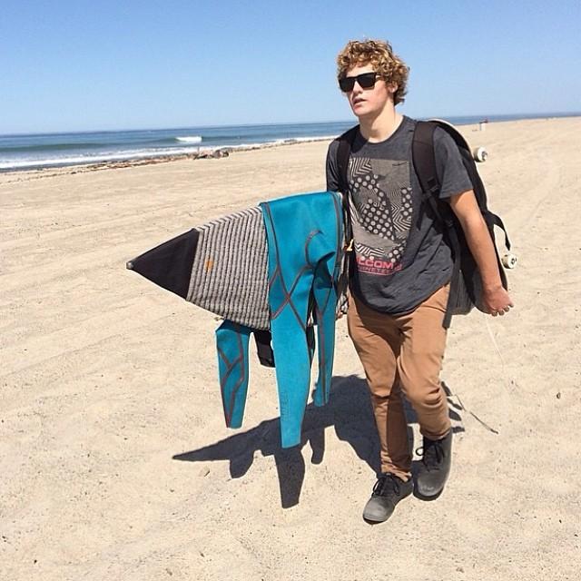Postales de Feli Suárez y su paso por California. @felisuarez1 #surf #Volcom #newport500