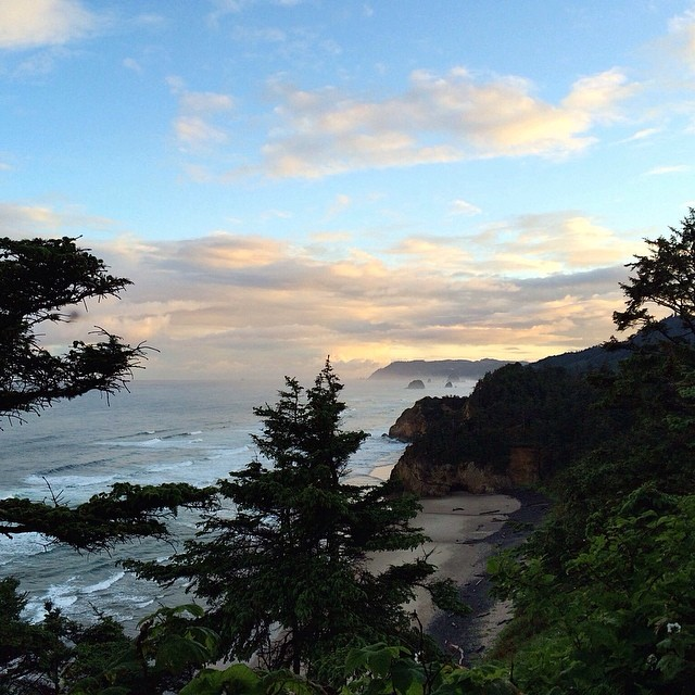 Photo if the day from Oregon: Fun· Chest(3ft)· Glassy· Empty (via Ian Walsh) — at Oregon #goFlow #beautiful #oregon @ian.walsh