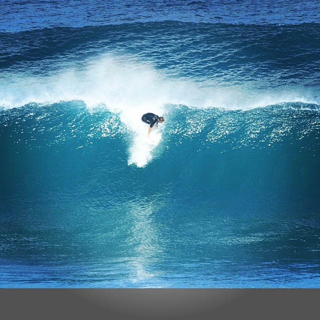 drop in @jduys hope you get some of that south swell #teamawesome #awesome #awesomesurfboards #surf #sled #hawaii#madeincalifornia #