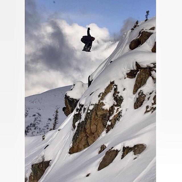 Team rider from #Canada @goldenrider420❄️#frostyheadwear #snowboarding #britishcolumbia