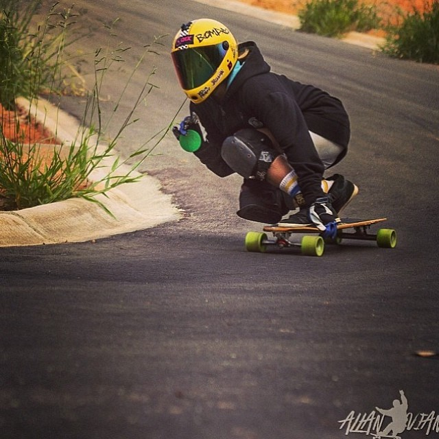 Brazilian rider @reineoliveira! Bon dia amigos! @Lan_Viana photo #longboardgirlscrew #brasil #forza