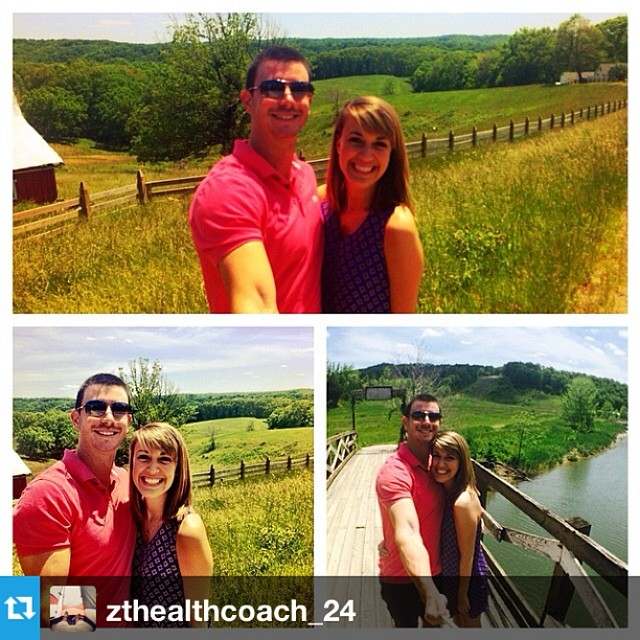 #Repost from @zthealthcoach_24 with @repost app #velocityclip ---Hanging out with @kyliemav near #Nashville Had a great time rigging up the #ghettoselfiemachine with her and having delicious food at #thepineroomtavern