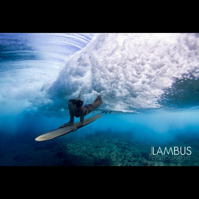 Amazing shot by @j_lambus. Flying beneath the surface is @swellliving under a set wave as I surf by. #alaia #itakebioastin #konaboys #organikhawaii #odinasurf #rareform #kaenon #NavitasNaturals #irideirecycle #ArtOfBoard