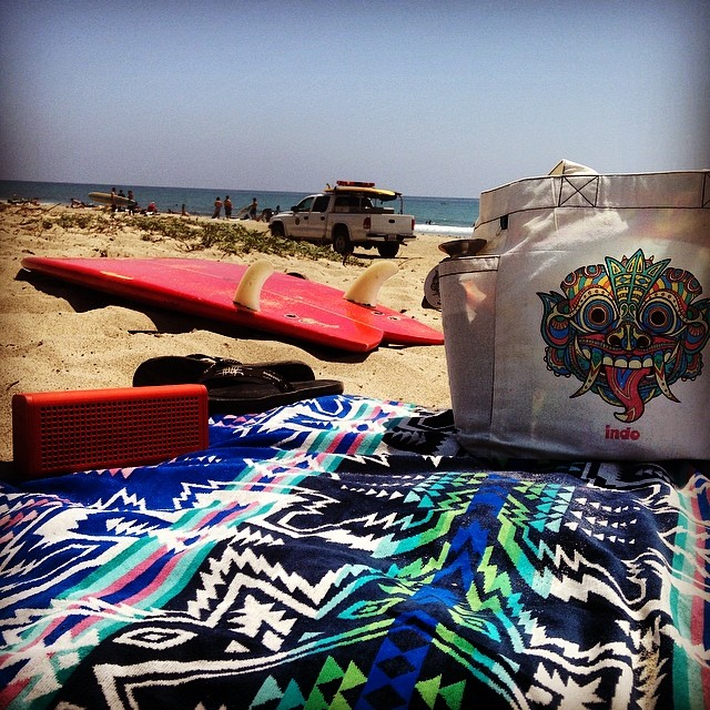Beach Day // Upper Trestles #sanclemente #barongbeachbag #nixonblaster #blackpalm66 #pendleton