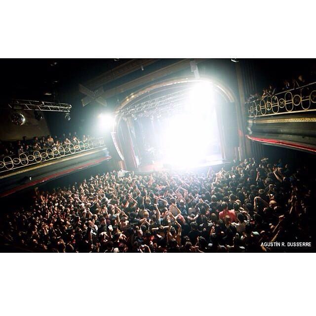 Explotó ayer a la noche el teatro Vorterix con @attaque77ok ! Gracias amigos por tanto rock! #Volcomfamily #VolcomEnt #Attaque77 #Volcom