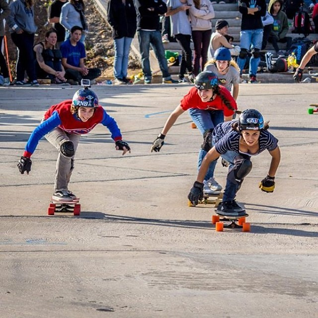 Go to www.longboardgirlscrew.com and check #longboardgirlscrew #argentina girls' run in Cantertino. All smiles ❤️ @nekolp photo #girlswhoshred #altasguachas
