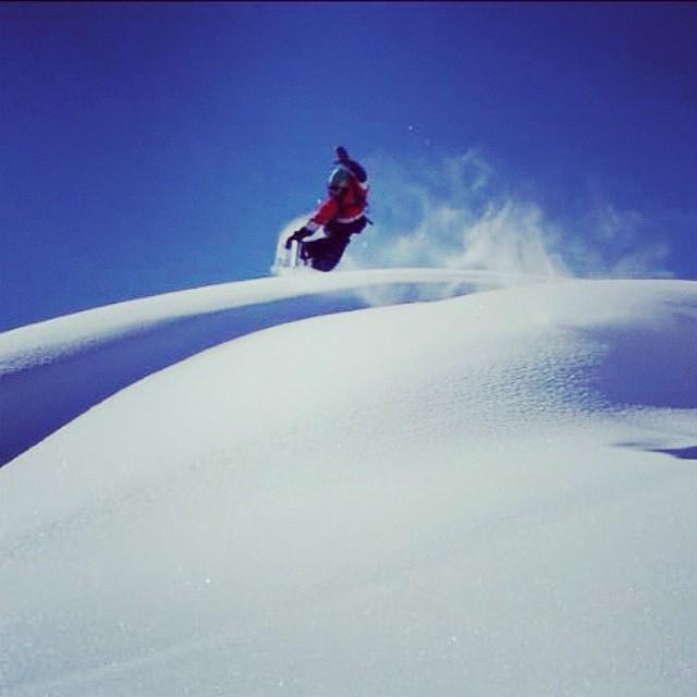 Recuerdo de #verbier #suiza temporada 2014. @nikesnowboarding @slashsnow @7veintestore @gravedadzerotv #powder #backcountry #snowboarding