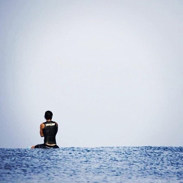 ~Reflection and appreciation~ Photo: @yasutaka_kitamura #HotlineWetsuits #SantaCruz #Surfing