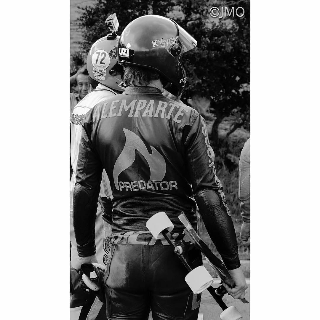 @jmh.longsai took a shot of @diegoalemparte engaging #championmode @predatorhelmets @calibertrucks #Longboarding #downhillskateboarding #DH6 #PredatorHelmets #originalpredatordesign #lifestyle #B&W #photography #festival_de_la_bajada #regrann
