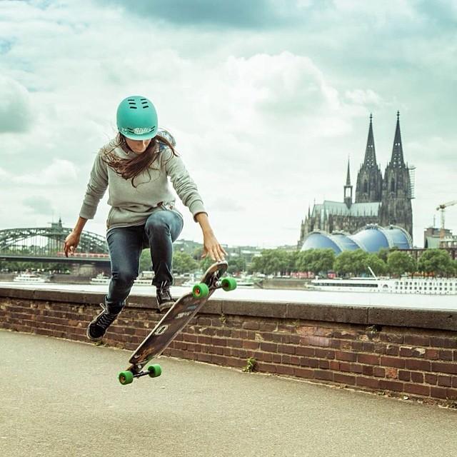 @valeriakechichian shot by @mari_aprilfool in #Köln for her @girlsinlongboarding project. Supporting women in Action Sports! #longboardgirlscrew #girlsinlongboarding #girlswhoshred