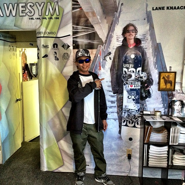 It  was great having @masa1124 over from Japan for #superpark18 . We re did the factory showroom with life size @laneknaack  and @nial_romanek walls. #forridersbyriders #handmadelaketahoe #OK