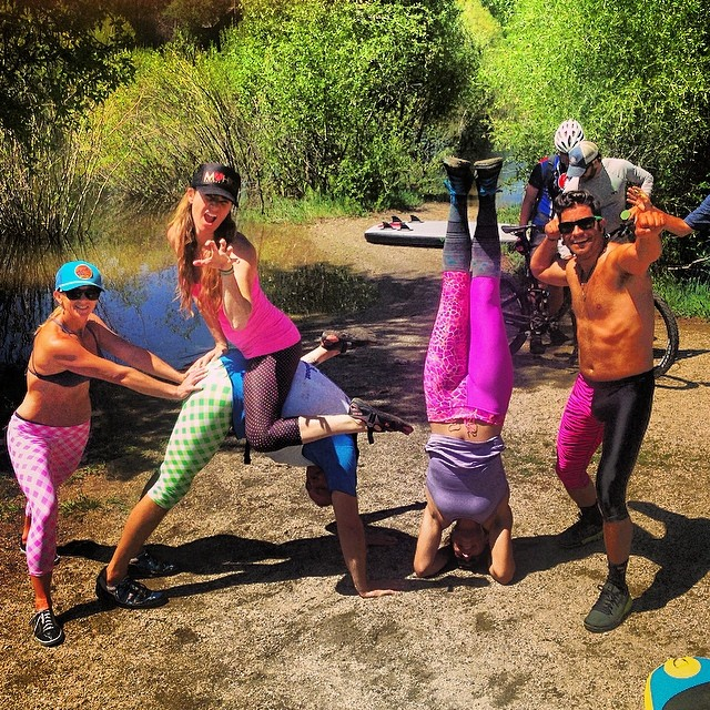We like to race in style! Fashionably Faster! Thanks @mahikuactivewear for the sexy leggings!
