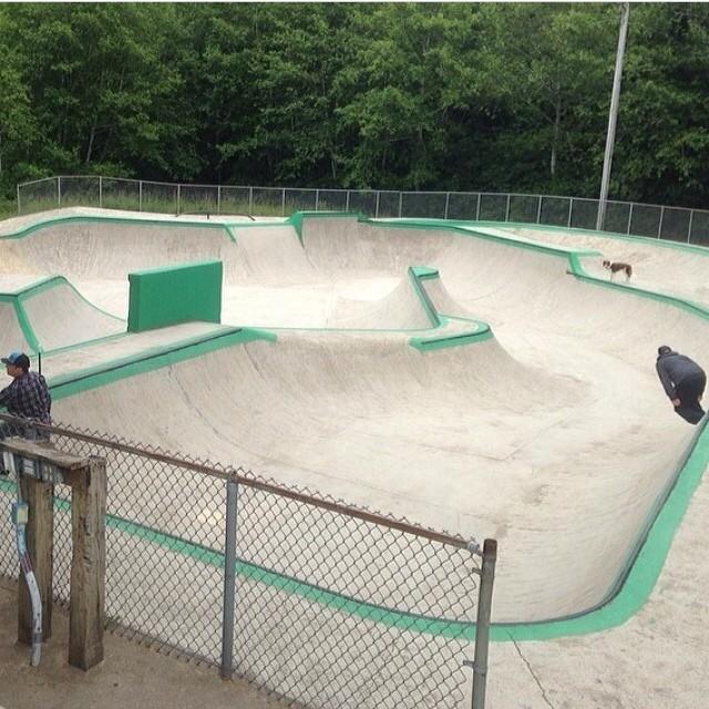 @dreamlandskateparks photo @jamiejacobson #lincolncityskatepark #skateoregon #skateparkroadtrip