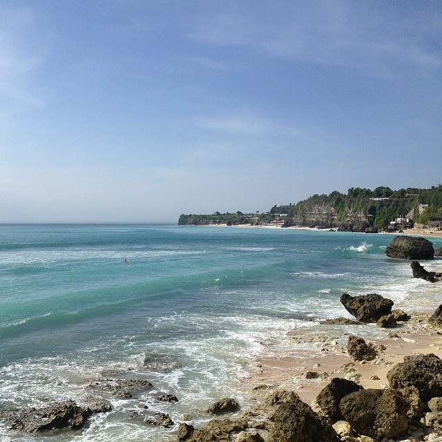 Good News we've arrived and a nice swell has settled in. Bali is pretty spectacular #bali #bingin #shredlife #beachlife #thegoodlife #exploremore