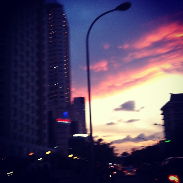 Sunset Sundays - the hustle and bustle of #JakartaLife  #sunsetsundays