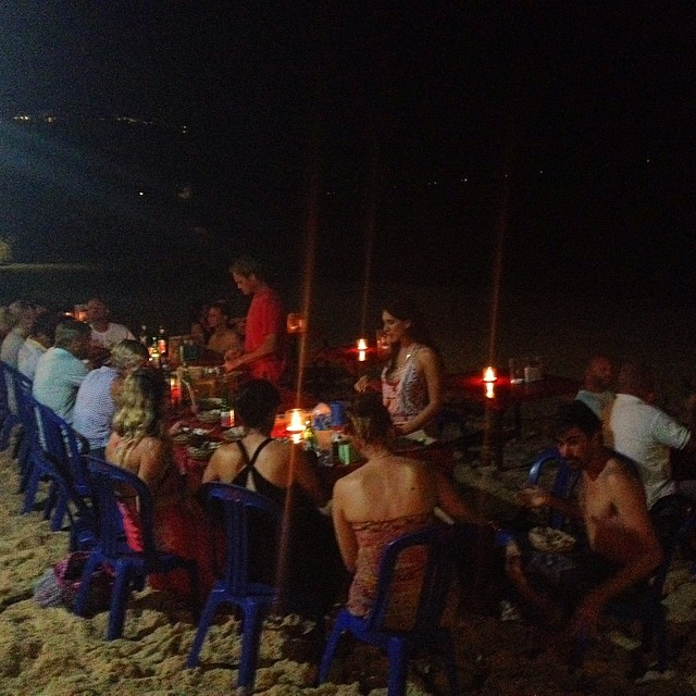 Dinner is better with waves as your soundtrack #wedding #destinationwedding #bbq #waves #bingin #bali #bintang #beachlife