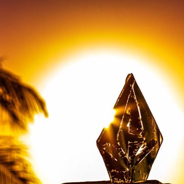 Saludamos al sol en una nueva semana #RA #Volcom @taiboy_1