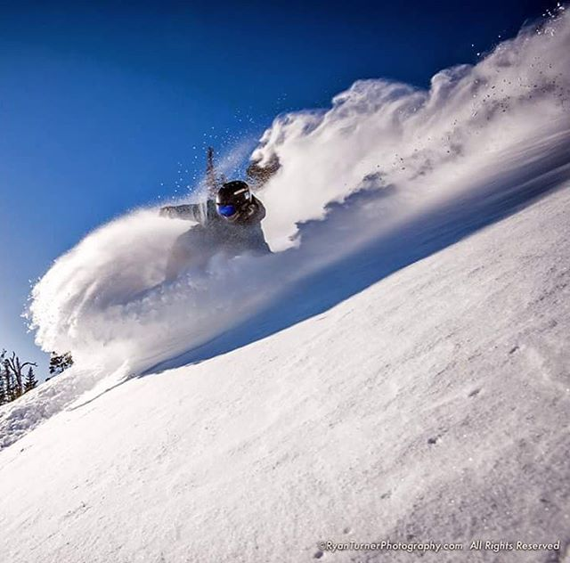 @unlimitedskyz making us all want to score a snowboard.  We are stoked to diversify our team a bit! PC: @ryanturnerphoto Location: @bigskyresort #flylowgear #flylow #defineyourroute #embracethestorm #flylowdogs