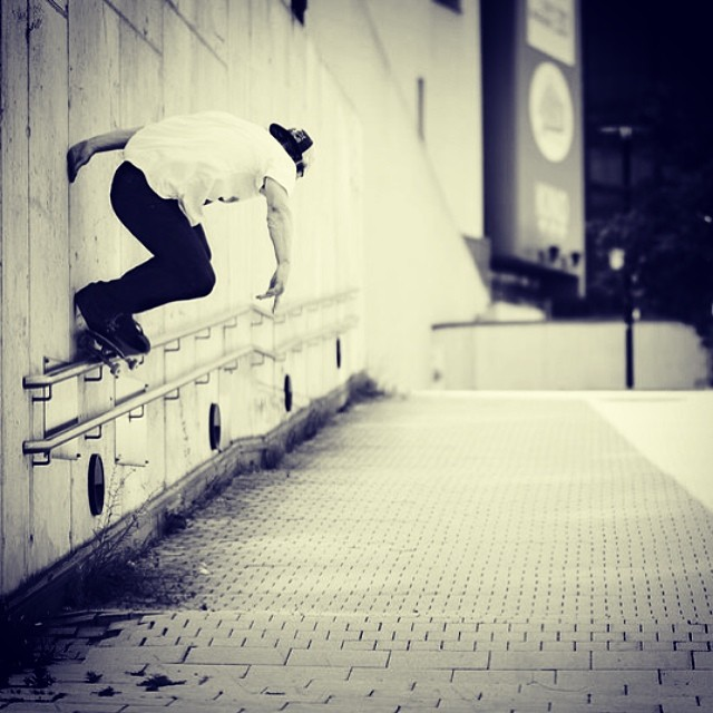 Handy. @philippschuster not using the rail properly. #skate #philippschuster