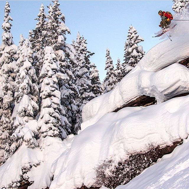 @ebenmond going airborne in the powder filled Colorado front range. PC: @powderfactoryskis #defineyourroute #americanfreeride #embracethestorm #flylowgear #flylow #ownyourtime