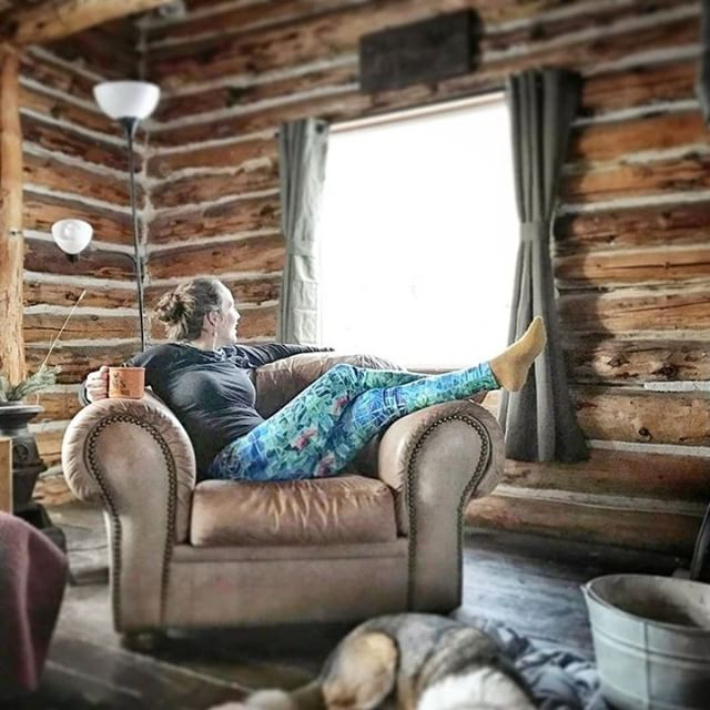 After a day on skis or a snowboard do you like to unwind in your Coalition Snow Myth patterned leggings? Or are you a leggings under your snowpants at the base bar kindof shredder? Tell us how you aprés in the comments below!