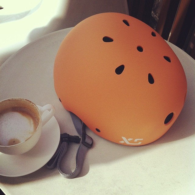 New colour sampling at breakfast: Sorbet #classicskatehelmet #dessertwithcoffee #orange #apricot #cafe #skate #xshelmets #designteam