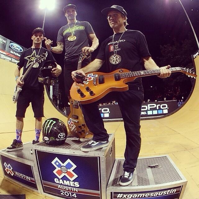 #VansBMX Jamie Bestwick, @simontabron y @bmxdmc en el podio de anoche